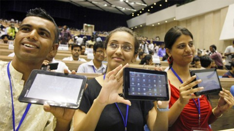 Read more about the article 45 euros pour une tablette Android, voici Aakash !