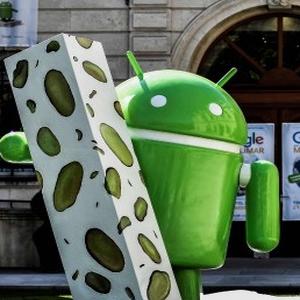 Android Nougat: Une statue à Montéllimar